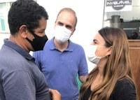 Câmara Municipal de Buritis recebe visita de Alan Queiroz e Mariana Carvalho