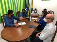 Vereador Moisés de Paula se reúne com membros da frente parlamentar evangélica